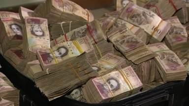 Conexão no Paraguai ajuda a trazer milhões de bolívares ilegais ao Brasil - Toneladas de dinheiro da Venezuela vêm aparecendo em diferentes pontos do país. Só nesta semana, 40 milhões foram apreendidos numa favela do Rio.