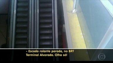 Escada de acesso à estação Alvorada do BRT está parada - A estação é um dos principais acessos ao BRT Transoeste, na Barra da Tijuca