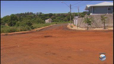 'Até Quando' cobra infraestrutura no Jardim Itaú em Ribeirão Preto, SP - Obras estavam paradas e local continua sem oferecer serviço básico aos moradores.