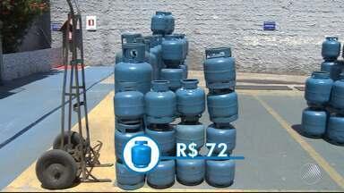 Preço do gás de cozinha sofre aumento no estado; confira os novos valores - De acordo com o sindicato de revendedores de gás de cozinha, o reajuste fica entre 5 e 10%. Confira.