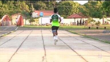 Jovem atleta piauiense sonha em ser o mais rápido do mundo e corre atrás do sonho - Jovem atleta piauiense sonha em ser o mais rápido do mundo e corre atrás do sonho