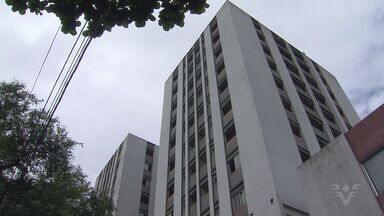 Justiça interdita Edifício Castro em Cubatão, SP - Prédio recebia serviços e funcionários da prefeitura