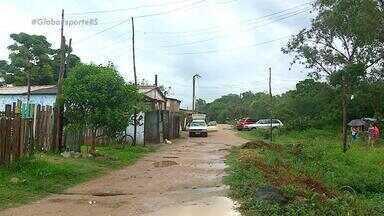 Comunidade se mobiliza e cria campo de futebol para crianças no Beco do Buda - Um local em Porto Alegre que não tinha como praticar esporte, se transformou por completo.