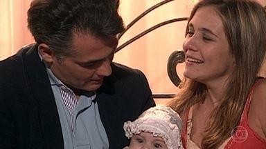 Senhora do Destino - Capítulo de terça-feira, 21/03/2017, na íntegra - Nazaré pede mais um filho para Luís Ricardo