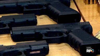 Polícia Federal apreende pistolas na região de Toledo - De acordo com o delegado responsável o arsenal veio do Paraguai.