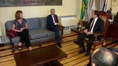 No Recife, embaixador da União Europeia acerta detalhes da visita de 23 embaixadores a PE - João Gomes Cravinho se reuniu com o governador Paulo Câmara no Palácio do Campo das Princesas.