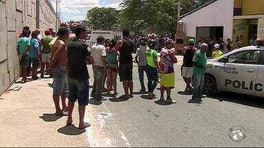 Suspeito de tentar assaltar policial é morto na BR-104 em Caruaru, PE - Segundo suspeito tentou fugir, mas população conseguiu evitar a fuga.