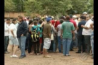 O corpo do líder do MST executado em Parauapebas foi enterrado nesta terça-feira, 21 - Ele foi executado dentro do Hospital Geral de Parauapebas, no sudeste do Pará