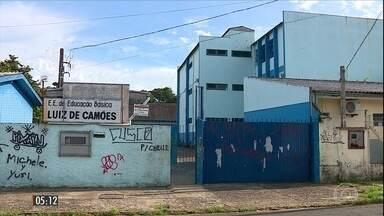 Bullying teria motivado assassinato de adolescente em escola do RS - A estudante de 14 anos foi encontrada morta numa sala de aula. A polícia concluiu que uma colega da garota, de 12 anos, teria sido responsável pelo crime.