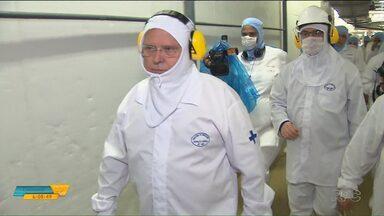 Ministro da Agricultura visita fábrica investigada na Operação Carne Fraca - O secretário da Agricultura do Paraná falou sobre o impacto da investigação para a economia paranaense.