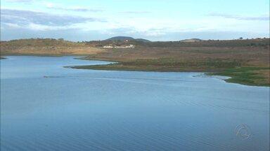 Açude do Boqueirão espera pela chegada das águas da transposição do São Francisco - Reservatório está apenas com 3,4% de sua capacidade total.