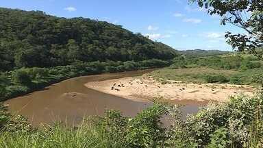 Rio das Velhas sofre com degradação, mesmo após algumas medidas de preservação - O Rio das Velhas é responsável por grande parte do abastecimento de água em Belo Horizonte e algumas cidades da Região Metropolitana.