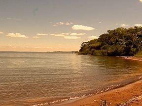 Problemas são encontrados nas margens do Rio Paraná em Pres. Epitácio - SPTV 1ª Edição tem mostrado nesta semana a situação dos rios da região.