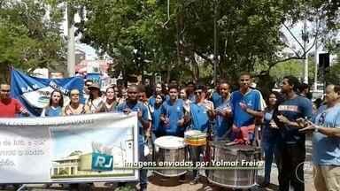 VC no RJ mostra protesto de estudantes em frente à Prefeitura de Cabo Frio, no RJ - Assista a seguir.