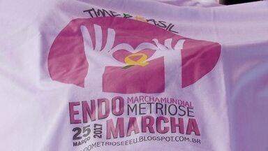 Mulheres fazem Marcha Mundial pela conscientização da endometriose - A endometriose atinge cerda de 200 milhões de mulheres no mundo e mais de seus milhões no Brasil. Para chamar a atenção da gravidade da doença, neste sábado (25) é o dia da Marcha pela conscientização da endometriose, realizada no Parque do Bosque.