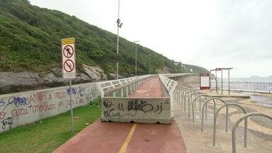 CREA recomenda que trecho da ciclovia permaneça fechado, pelo menos, até agosto - Técnicos encontraram vários tipos de problemas no trecho da ciclovia Tim Maia, entre o Leblon e São Conrado.