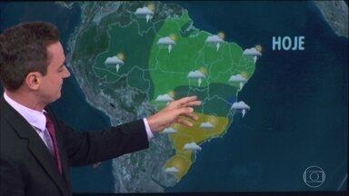 Previsão é de chuva forte no sul da Bahia e no norte de Minas Gerais - A chuva vai ficar mais concentrada na metade norte do Brasil. No Sudeste e no Sul, a chuva fica mais restrita ao leste dos estados.