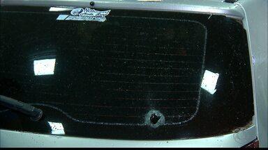 Dono de lava jato é baleado no bairro do Roger, em João Pessoa - Ainda dentro do carro, ele pediu a um comerciante para ser levado para o hospital.