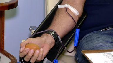 Doadores de sangue são vacinados contra febre amarela em Barra Mansa - Campanha começou há 15 dias no Hemonúcleo; doações de sangue só aumentaram com iniciativa.