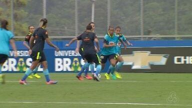 Jogadoras da seleção brasileira se preparam para jogo contra Bolívia - Partida será realizada em Manaus.