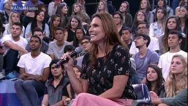 Laura Muller tira dúvidas sobre sexo - Além da plateia, Lázaro Ramos também faz suas perguntas