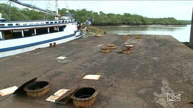 Cais com atracadouro flutuante corre risco de afundar no Maranhão - Estrutura do cais na cidade de Alcântara está toda comprometida e corroída pela ferrugem.