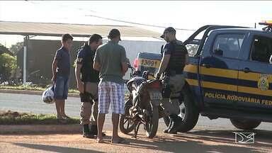 PRF reforça fiscalização para combater infrações cometidas por motociclistas no MA - Polícia Rodoviária Federal (PRF) tem como alvo da operação combater as infrações de trânsito em Balsas, no sul do estado.