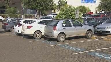 Campanha alerta motoristas para não estacionar em vagas de idosos, gestantes e deficientes - Muita gentes desrespeita as Leis e estacionam nas vagas.