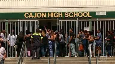 Sobe para três o número de mortos depois de ataque em escola na Califórnia, nos EUA - O atirador se suicidou depois de matar a esposa que dava aula para crianças. Ele ainda feriu dois alunos que estavam perto dela.