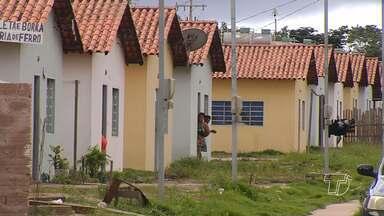 Moradores do Residencial Salvação denunciam ocupações irregular em casas desocupadas - O problema já é antigo, e muitas casas ainda não entregues estão servindo como esconderijo para bandidos.
