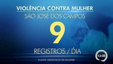 Nove mulheres são vítimas de violência por dia em São José - São aquelas que registraram boletins de ocorrência na Delegacia da Mulher.