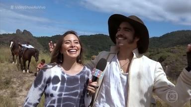 Confira os bastidores do atentado sofrido por Dom Pedro - Caio Castro confessa que tem medo de altura e precisou usar dublê para a cena do príncipe perto do penhasco em 'Novo Mundo'