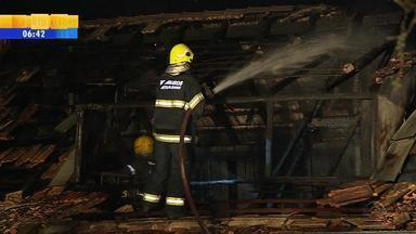 Incêndio atinge instalações do 1º Batalhão de Polícia Militar - Prédio fica localizado no bairro Menino Deus, em Porto Alegre.