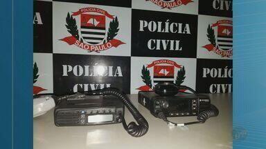 Adolescente é detido com rádios comunicadores de um vagão de trem em Ribeirão Preto, SP - Jovem tinha anunciado os dois objetos para vender na internet.