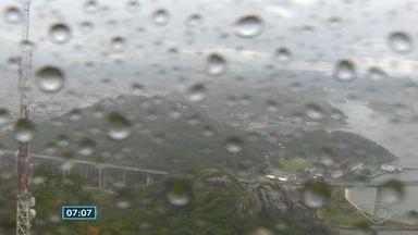 Quinta-feira (13) tem previsão de chuva rápida na Grande Vitória - Chuva pode acontecer de manhã e à noite.