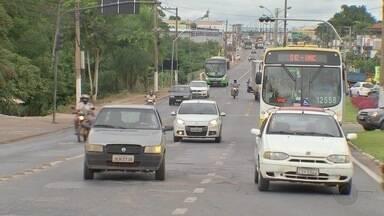 Faixas livres para melhorar fluidez no trânsito não são usadas adequadamente - Faixas livres para melhorar fluidez no trânsito não são usadas adequadamente.