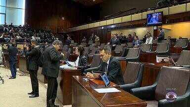 Governo do RS não descarta plebiscito na discussão da privatização de estatais - Plebiscito é opção caso PEC não seja aprovada na Assembleia.