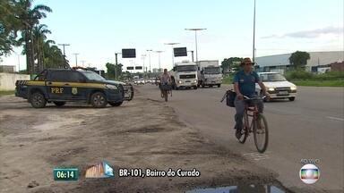 PRF monta esquema para estradas de Pernambuco no feriado de Tiradentes - Motoristas devem atentar, por exemplo, para levar crianças nos assentos de retenção dentro dos carros