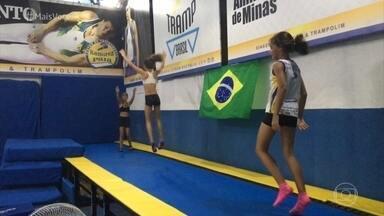 Carlos Ramirez construiu seu próprio centro de treinamento - Atleta treina e também prepara crianças e jovens para a ginástica artística e o trampolim