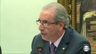 Delatores dizem que empreiteiras pagavam mesada a Eduardo Cunha - Segundo os delatores, Eduardo Cunha recebeu propinas milionárias das empresas.