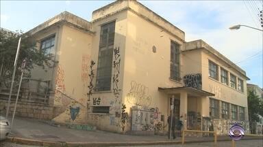 Escola Antonieta de Barros, em Florianópolis, será reformada - Escola Antonieta de Barros, em Florianópolis, será reformada