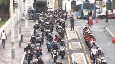 Passeio de motociclistas reúne militares e amantes das duas rodas - O evento faz parte da Semana do Exército; veja como foi.