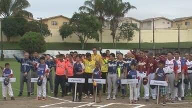 Manaus recebe a 12ª edição do Torneio Norte de Beisebol de veteranos - Disputa ocorre na Country Clube, em Manaus. Competição iniciou nesta quinta e conta com oito equipes.