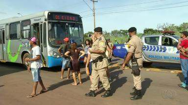 Mudanças no horário dos ônibus durante o feriado revolta usuários do transporte público - Mudanças no horário dos ônibus durante o feriado revolta usuários do transporte público