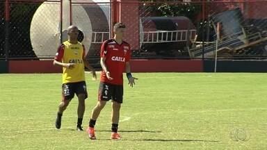 Artilheiro do time, Júnior Viçosa pode deixar o Atlético-GO - Atacante tem contrato até o meio do ano e pode abreviar saída caso time seja eliminado na Copa do Brasil.