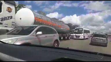 Congestionamento é formado na BR-101 entre Pedra Branca e Maruim - Congestionamento é formado na BR-101 entre Pedra Branca e Maruim.