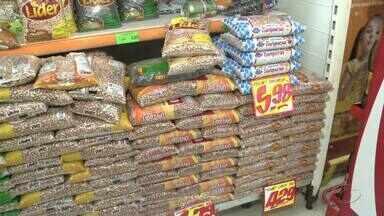 Brasileiros estão consumindo menos feijão e refrigerantes, revela pesquisa - Estudo foi realizado pelo Ministério da Saúde.