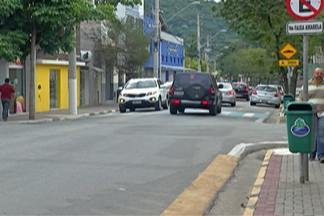 Movimento de feriado agrada comerciantes de Guararema - Comerciantes estão animados com a vontade de gastar dos turistas.