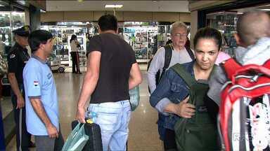 Lojas do Paraguai ficaram lotadas hoje - Muitos turistas brasileiros aproveitaram o feriado para fazer compras no país vizinho.