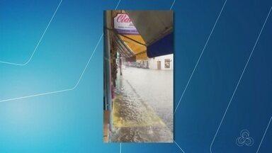 Manaus registra quase cinco horas de chuva - Defesa Civil registra 12 ocorrências.